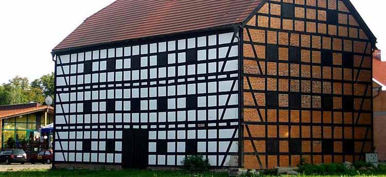 otynkowany mur pruski